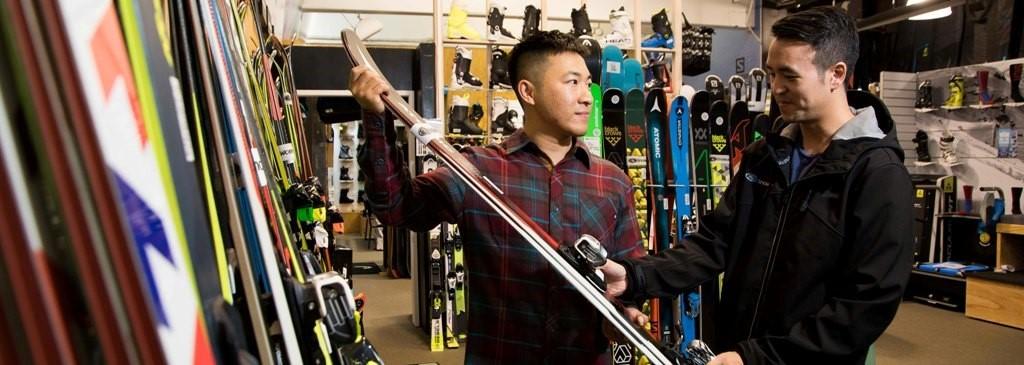 购买租赁滑雪板(单板/双板),提供中文服务